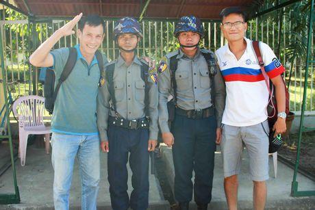 No bom o Yangon, AFF Cup roi vao canh bao dong - Anh 1