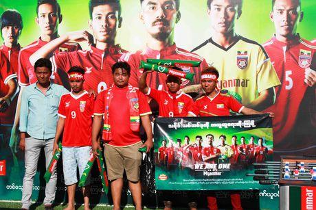 No bom o Yangon, AFF Cup roi vao canh bao dong - Anh 2