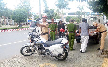 CSGT TP HCM khong yeu cau chung minh xe chinh chu - Anh 1
