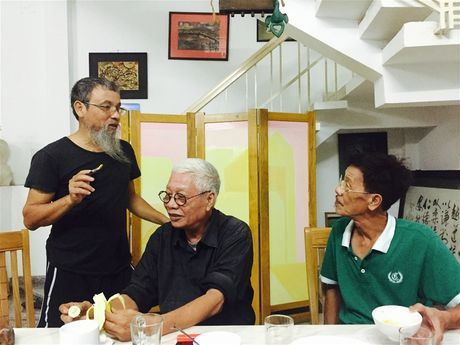 Nha nghien cuu Nghe thuat & My thuat, Hoa si Nguyen Quan: Co the toi can tranh, tuong - Anh 2