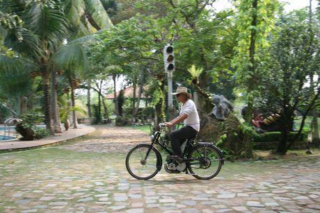 Den cu lao Phuoc Thien ngam xe co doc la - Anh 1