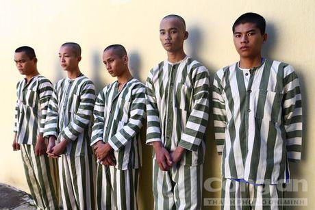 5 ke bat hao di buon 'nang tien nau' - Anh 1