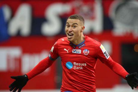 Huyen thoai Henrik Larsson thu the, san sang chien lai fan - Anh 10