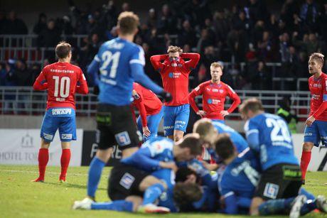 Huyen thoai Henrik Larsson thu the, san sang chien lai fan - Anh 2