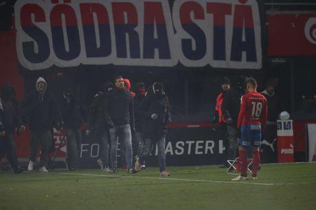 Huyen thoai Henrik Larsson thu the, san sang chien lai fan - Anh 3