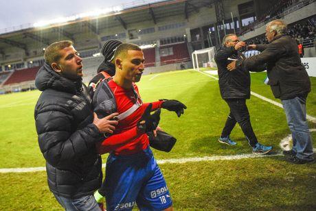 Huyen thoai Henrik Larsson thu the, san sang chien lai fan - Anh 5