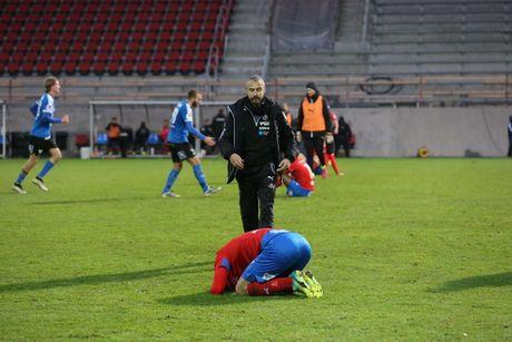 Huyen thoai Henrik Larsson thu the, san sang chien lai fan - Anh 6