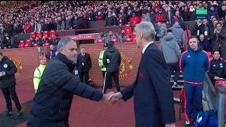 Biem hoa Mourinho va Wenger tu hai lan nhau - Anh 3