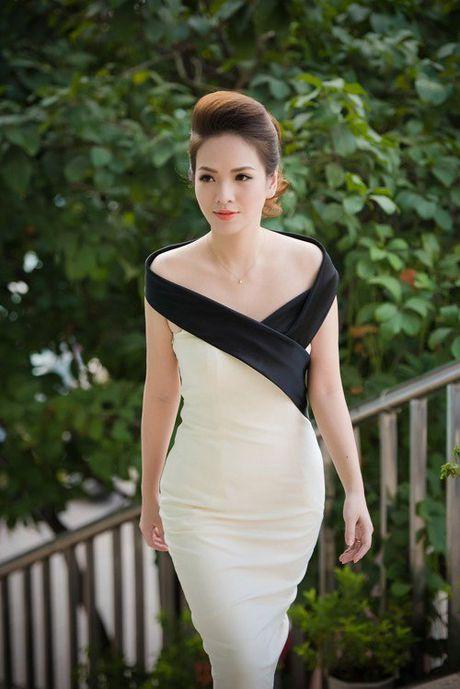 Hon 22 tuoi, MC Thanh Mai van tre dep khong thua A hau Huyen My - Anh 3