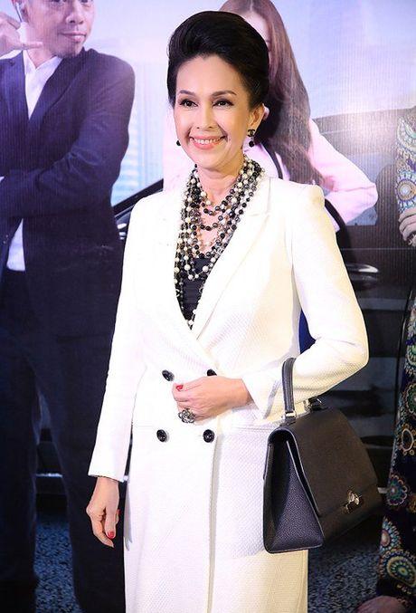 Hon 22 tuoi, MC Thanh Mai van tre dep khong thua A hau Huyen My - Anh 4