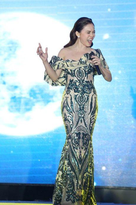 Hon 22 tuoi, MC Thanh Mai van tre dep khong thua A hau Huyen My - Anh 7