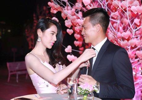 Chum anh tiet lo moi quan he doi thuc cua Thuy Tien - Cong Vinh - Anh 14