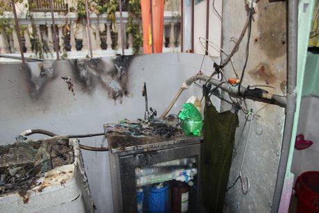 Chay o Tran Khat Chan: Do dac nha ben bien dang khung khiep - Anh 9
