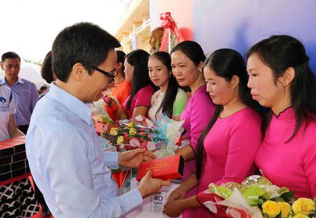 Pho Thu tuong Vu Duc Dam tham giao vien vung sau DakNong - Anh 1