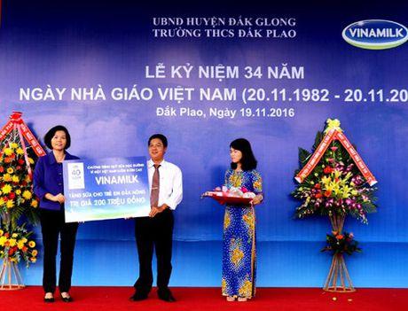Pho Thu tuong Vu Duc Dam tham giao vien vung sau DakNong - Anh 3