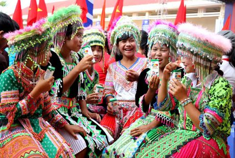 Pho Thu tuong Vu Duc Dam tham giao vien vung sau DakNong - Anh 6