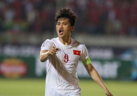 Tin nong bong da toi 21/11: Xuan Truong, Cong Vinh duoc ton vinh - Anh 1