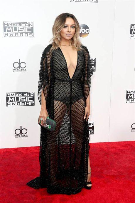 Tham do American Music Awards: Selena Gomez 'tai xuat' sau tri lieu tam ly - Anh 11