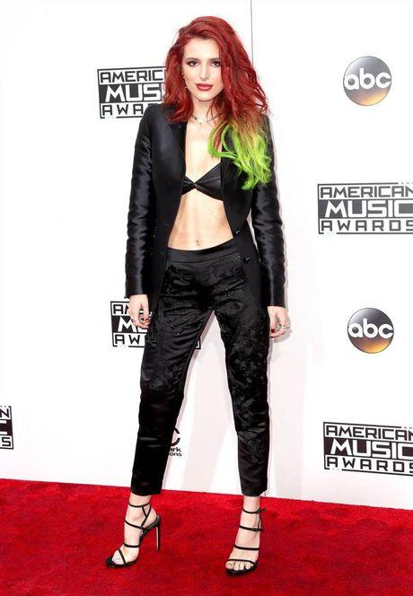 Tham do American Music Awards: Selena Gomez 'tai xuat' sau tri lieu tam ly - Anh 3