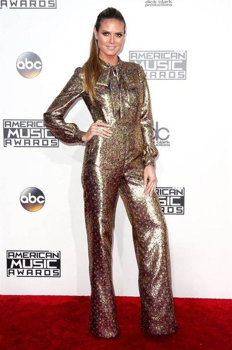 Tham do American Music Awards: Selena Gomez 'tai xuat' sau tri lieu tam ly - Anh 6