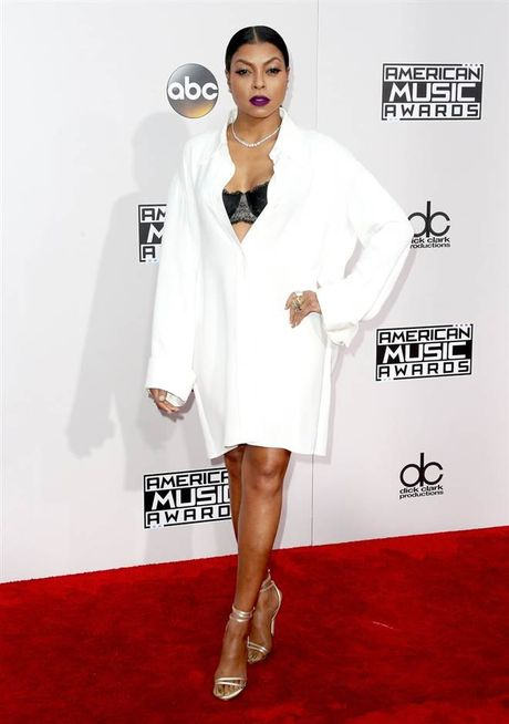 Tham do American Music Awards: Selena Gomez 'tai xuat' sau tri lieu tam ly - Anh 7