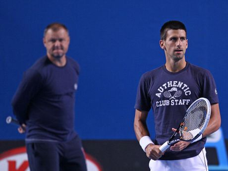 Tennis ngay 21/11: Djokovic khen ngoi cong lao cua... vo Murray. HLV tiet lo ly do Djokovic sa sut - Anh 4