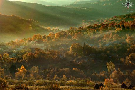 Nhung khuon hinh dat gia cua mua thu Romania tu may anh re tien - Anh 13