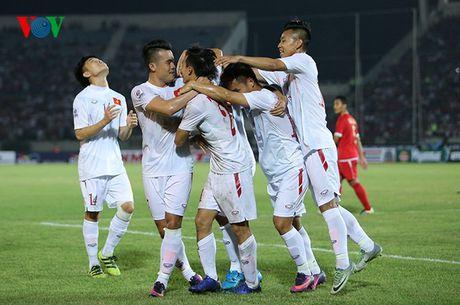 Cham diem Myanmar 1-2 Viet Nam: Cuu tinh Cong Vinh & diem tru hang thu - Anh 1