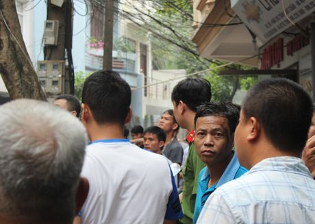 Lua thieu nhieu nha dan tren pho Tran Khat Chan - Anh 16