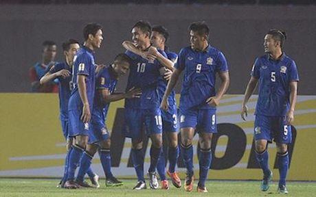 Truc tiep Thai Lan vs Singapore bang A tai AFF Cup 2016 - Anh 2