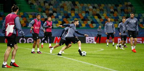 Ronaldo gong minh chuan bi cho ngay di 'san ve' cua Real - Anh 6