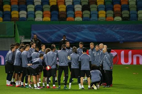 Ronaldo gong minh chuan bi cho ngay di 'san ve' cua Real - Anh 8