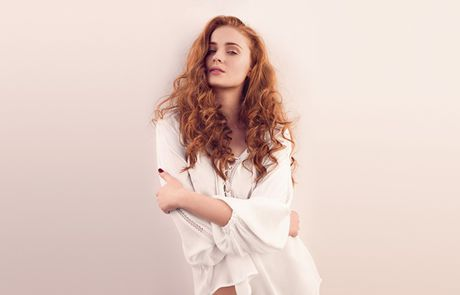 Sexy va ngot ngao nhu Sophie Turner - Anh 3