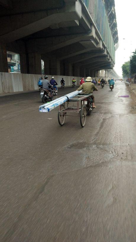 Chum anh: Xe tu che 'may chem' tai xuat tren duong Ha Noi - Anh 3