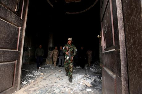 Chien binh Co doc giao tren chien truong danh IS o Mosul - Anh 3