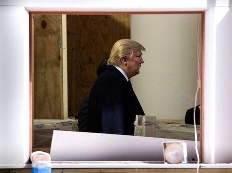 De che ong Donald Trump: Me cung no va nhung nut that chong cheo - Anh 1