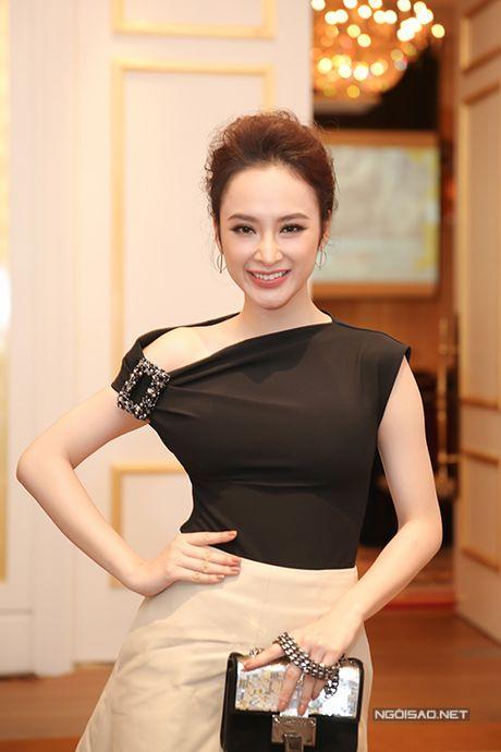 Bang Kieu lo chieu cao khiem ton khi dung ben Angela Phuong Trinh - Anh 2