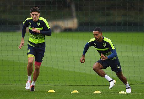 Arsenal 'troi chan' thanh cong 'tia chop' o hang thu - Anh 2