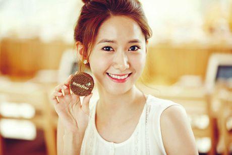 YoonA (SNSD) lo ngai thay doi hinh anh trong sang - Anh 1