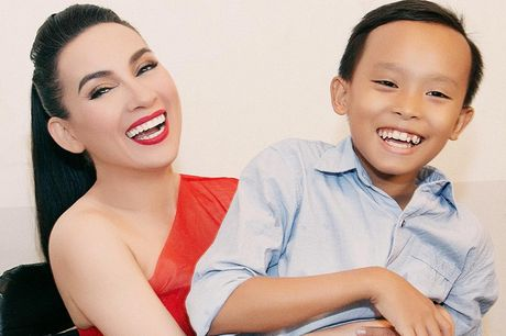 Ho Van Cuong song ca cuc ngot cung Phi Nhung trong single dau tay - Anh 1