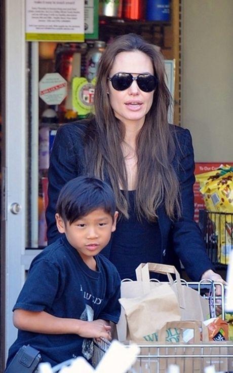 Pax Thien - con nuoi goc Viet cua Angelina Jolie - ngay cang ra dang dan ong - Anh 4