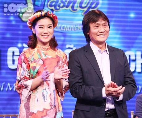 Hoang Yen Chibi phan khich khi duoc ghep cap cung ca si bac cha chu - Anh 2