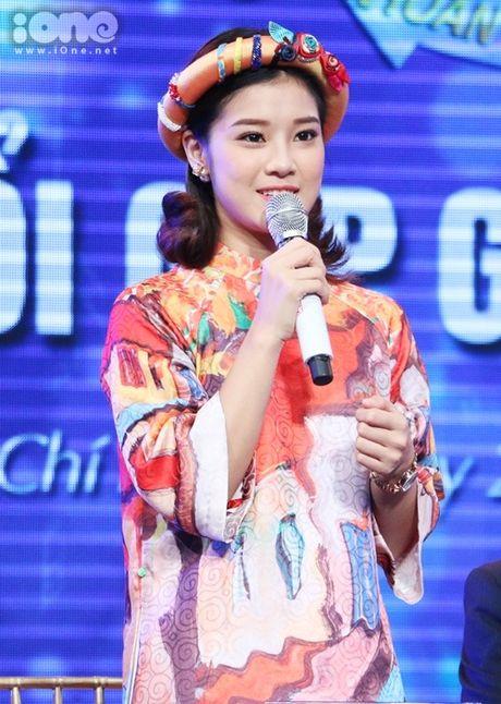 Hoang Yen Chibi phan khich khi duoc ghep cap cung ca si bac cha chu - Anh 3