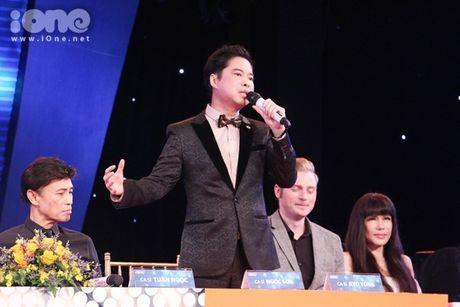 Hoang Yen Chibi phan khich khi duoc ghep cap cung ca si bac cha chu - Anh 4
