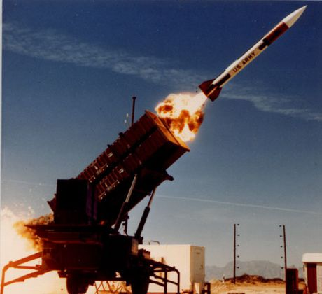 Nga sap ra mat ten lua RS-26 khien he thong phong thu My 'bat luc'? - Anh 3