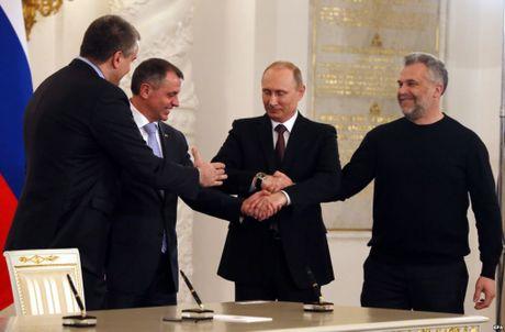 Tong thong Nga Putin lan dau tien giai thich ly do Crimea doan tu voi Nga - Anh 1