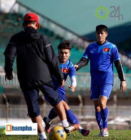 Cong Phuong: Gat on ao doi tu de ghi diem voi HLV Huu Thang - Anh 9