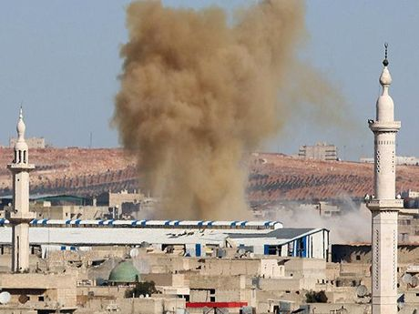 Quan doi Syria pha huy kho vu khi cua khung bo o dong Aleppo - Anh 1