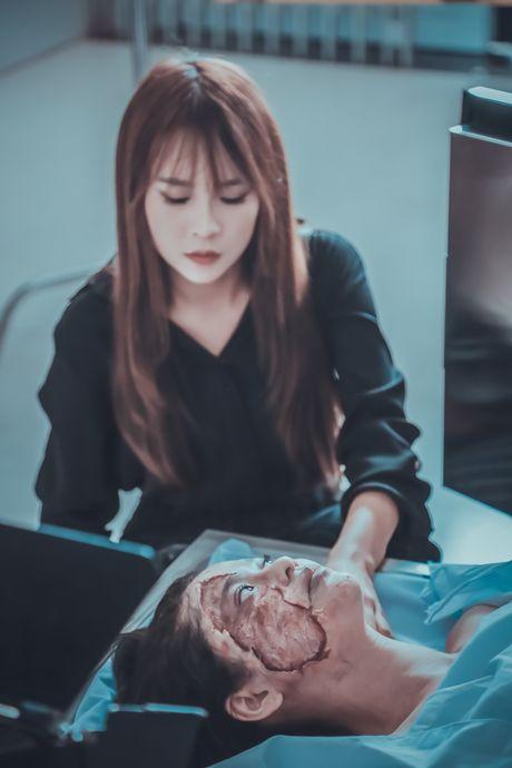 Guong mat cua Truong Quynh Anh bi bien dang trong phim moi - Anh 4