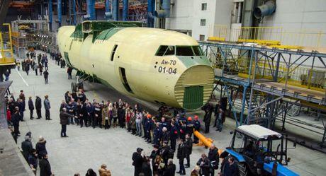 Nga doi cong ty nha nuoc Ukraine 'Antonov' phai tra cho Bo Quoc phong Nga 2,7 trieu USD - Anh 1